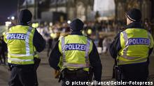 Silvester 2016 in Köln Bundespolizei (picture-alliance/Geisler-Fotopress)