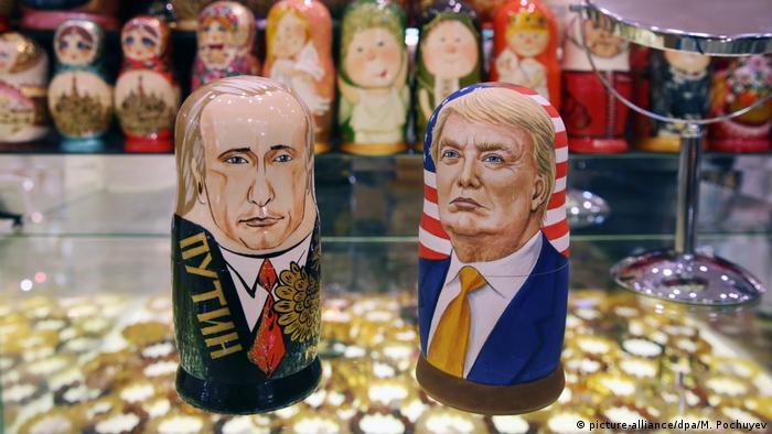 Russische Puppen Putin und Trump (picture-alliance/dpa/M. Pochuyev)