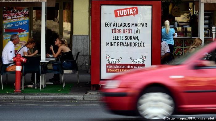 Ungarn Werbetafel der Spaßpartei MKKP