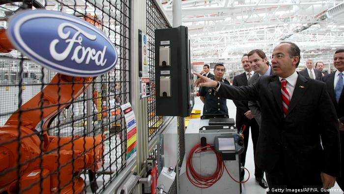 Mexiko Ford-Fabrik in Monterrey Felipe Calderon (Getty Images/AFP/A. Guerrero)