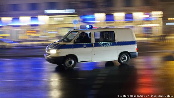 Berlin Sicherheit Polizei (picture-alliance/Geisler-Fotopress/T. Batilla)