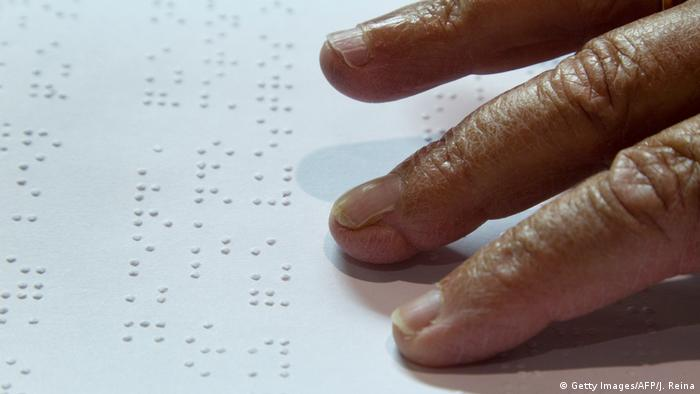 Braille Schrift (Getty Images/AFP/J. Reina)