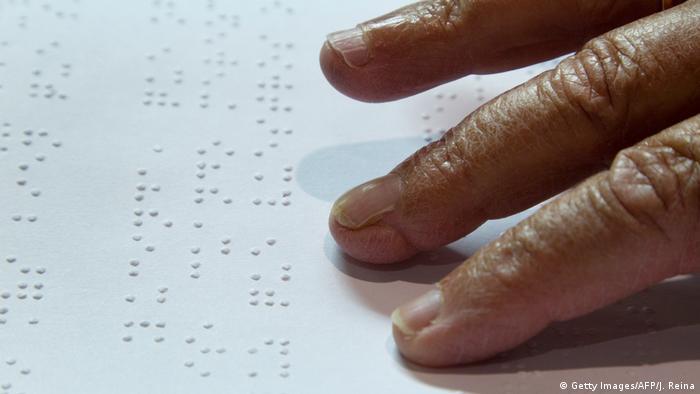 Braille Schrift (Getty Images/AFP/J. Reina)