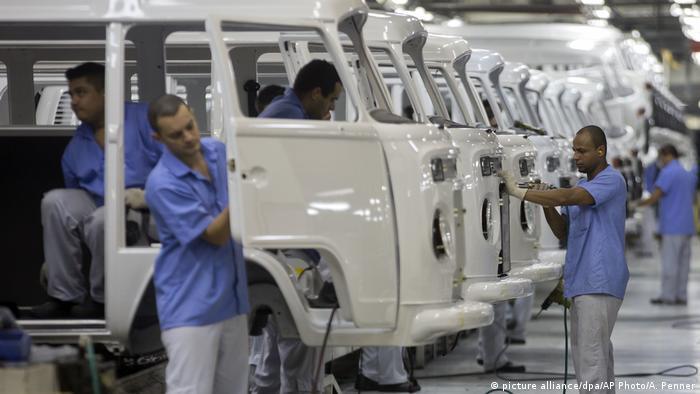 Pabrik VW dekat Sao Paulo di Brasil