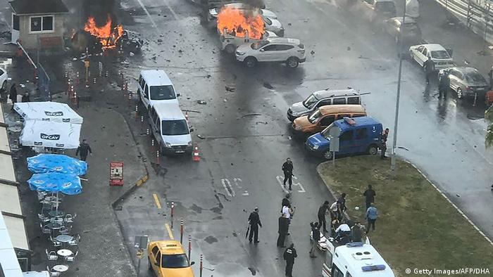 Türkei Anschlag in Izmir (Getty Images/AFP/DHA)