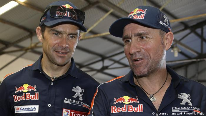 Ralley Dakar | Stephane Peterhansel und Cyril Despres (picture-alliance/AP Photo/M. Mejia)