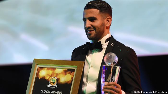 يمتلك محرز في خزينة ألقابه أيضا لقب أفضل لاعب إفريقي لعام 2016