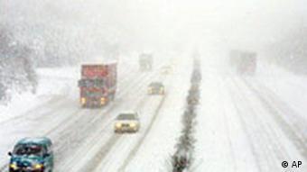 Schnee auf der Autobahn