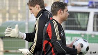 Wiese i njegov najveći konkurent u reprezentaciji Njemačke, René Adler iz Bayera