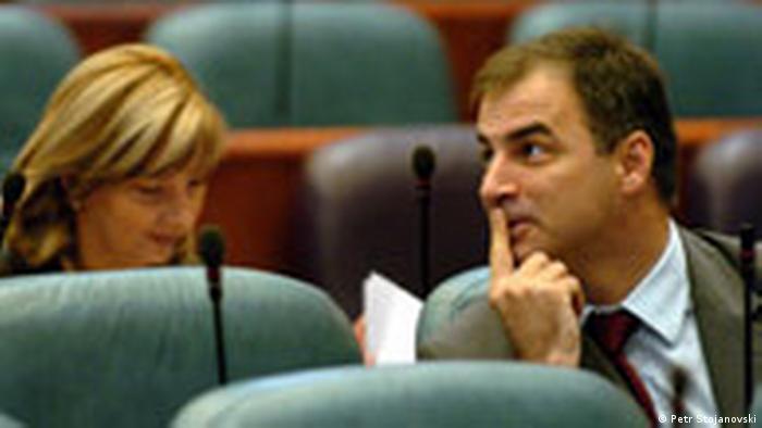 Mazedonien hat Kosovo als unabhängigen Sttat anerkannt Ivan Stoijkovic im Parlament (Petr Stojanovski)