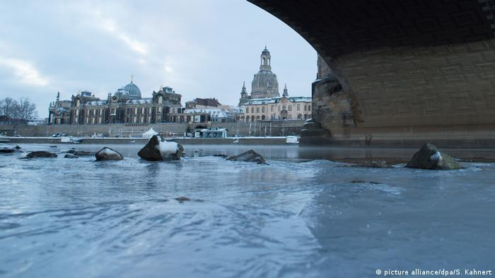Deutschland Winter in Dresden (picture alliance/dpa/S. Kahnert)