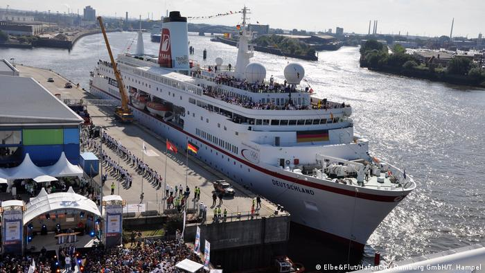 Hamburg im Wandel -Hamburg: HafenCity (Elbe&Flut/T. Hampel)