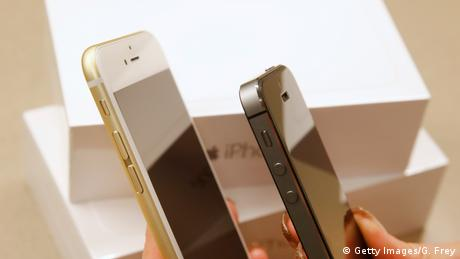 Vergleich IPhone 6 Plus und IPhone 5S (Getty Images/G. Frey)