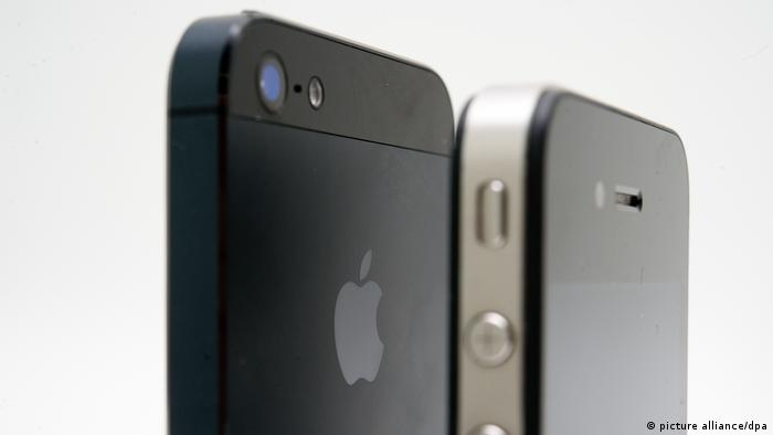IPhone 4 und IPhone5 im Vergleich (picture alliance/dpa)