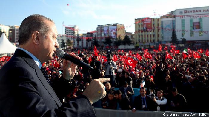 Türkei Präsident Recep Tayyip Erdogan in Sanliurfa (picture-alliance/AA/Y. Bulbul)