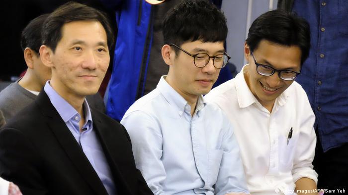 Taiwan Pro Demokartie-Aktivisten aus Hongkong treffen Wiedervereingungsaktivisten (Getty Images/AFP/Sam Yeh)