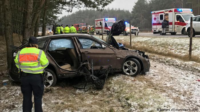 Deutschland Zahlreiche Unfälle nach arktischen Temperaturen und Blitzeis (picture alliance/dpa/S. Ebel)