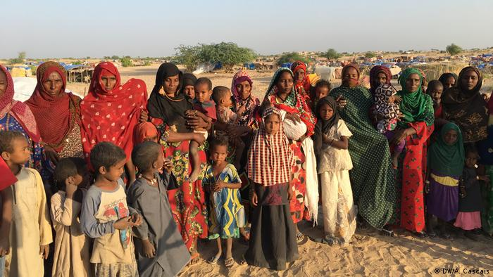 Nigerian refugees at an improvised camp in Niger