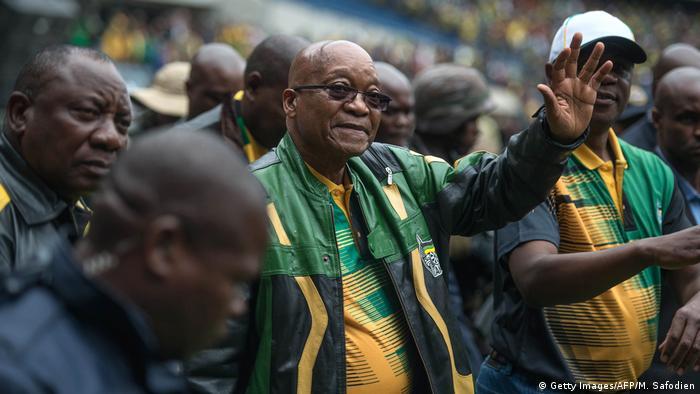 Südafrika Zuma hält Rede im Orlando-Stadion in Soweto