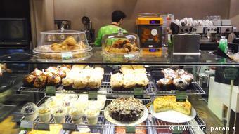 Griechischer Fastfoodladen Gregory's in Berlin (DW/P. Kouparanis)