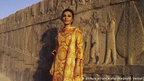 Iran Kaiserin Farah Diba von Persien 1971 (picture alliance/akg-images/H. Vassal)