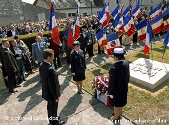 Sarkozy at a memorial in Maille