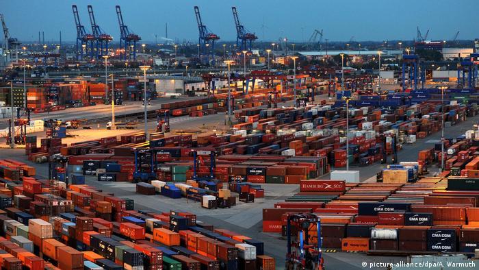 Deutschland Hamburg Hafen - Container Terminal Burchardkai