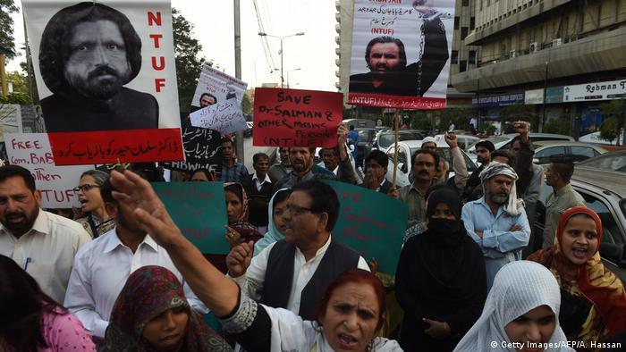 Pakistan Protest - Aktivist Salman Haider verschwunden (Getty Images/AFP/A. Hassan)