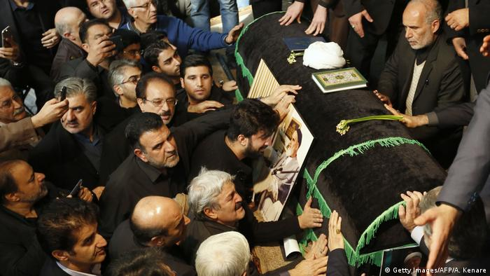 Iran Trauerfeier Rafsandschani (Getty Images/AFP/A. Kenare)