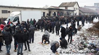 Περισσότεροι από 2.000 άνθρωποι κοιμούνται σε εγκαταλελειμμένα κτίρια στο κέντρο του Βελιγραδίου