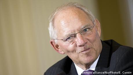 Σόιμπλε: Ενστάσεις για ένα κοινό ευρώ μετά το προηγούμενο της Ελλάδας