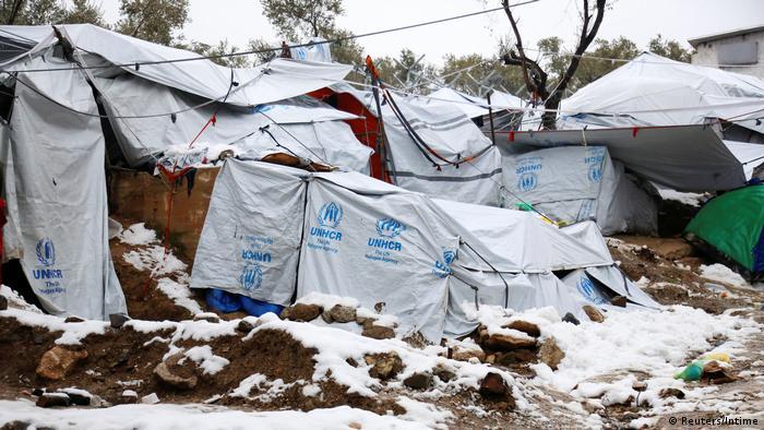 Griechenland - Schnee in Flüchtlingslager Moria auf Lesbos