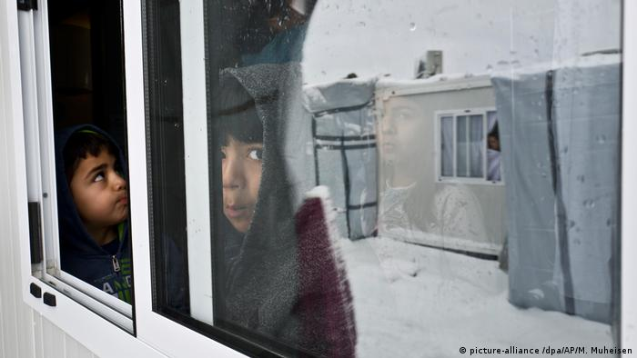 Griechenland - Schnee im Flüchtlingscamp Ritsona (picture-alliance /dpa/AP/M. Muheisen)
