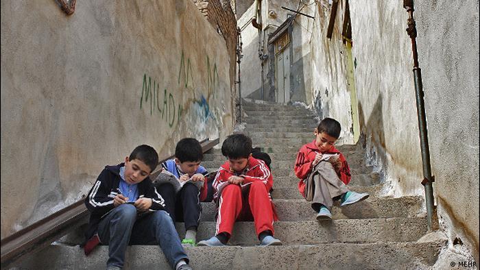معضل ادامهدار کودکان بازمانده از تحصیل و بیشناسنامه