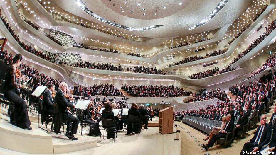 Space, time and the Elbphilharmonie
