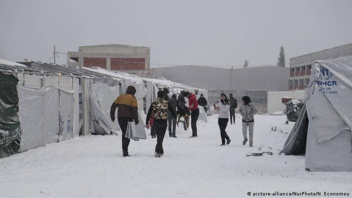 A migrant camp on the Greek island of Thessaloniki has experienced sub-zero temperatures and up to 20cm of snow