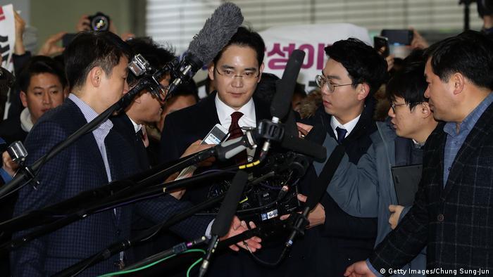 Samsung Vize Vorsitzender Jay Y Lee (auch Lee Jae-Yong) Befragung zu Bestechungsvorwürfen (Getty Images/Chung Sung-Jun)