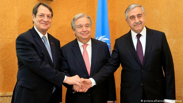 Kıbrıslı liderler ocak ayında Cenevre'de yapılan görüşmede BM Genel Sekreteri Antonio Guterres ile.