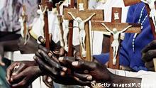 Symbolbild Afrika Christen Kreuz Kruzifix Glaube Kultur