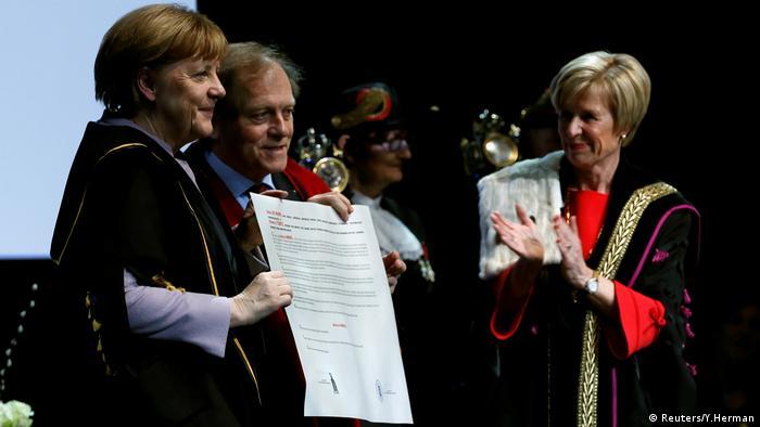 Merkel merr titullin doktor nderi në Belgjikë