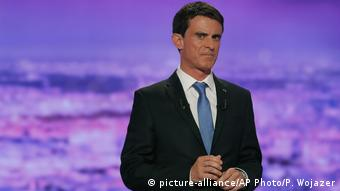 French politician Manuel Valls attends the first prime-time televised debate (picture-alliance/AP Photo/P. Wojazer)