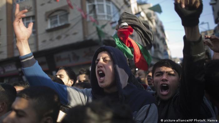 Palästinenser demonsrieren gegen Stromausfälle im Gaza-Streifen