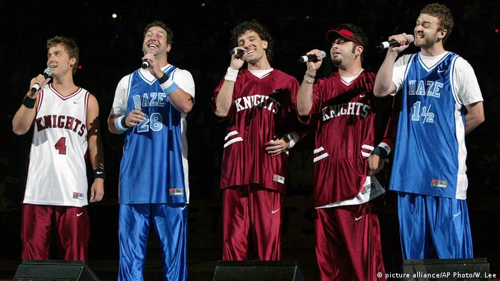 Tag der Jogginghose - NSYNC (picture alliance/AP Photo/W. Lee)