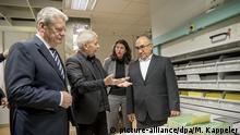 Deutschland Bundespräsident Gauck besichtigt Stasi-Unterlagen-Behörde