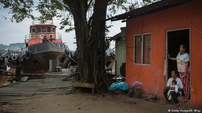 Indonesien Kohleabbau in der Stadt Samarinda - Hafenarbeiter (Getty Images/E. Wray)