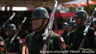Турецкие военнослужащие на параде
