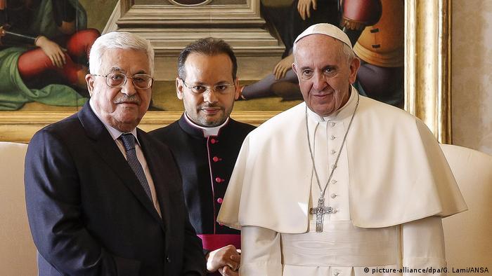 Vatikan Privataudienz Papst Franziskus und Mahmoud Abbas (picture-alliance/dpa/G. Lami/ANSA)