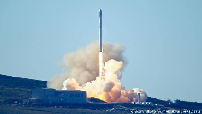 Запуск ракети Falcon 9 з космодрому Ванденберг 14 січня 2017 року