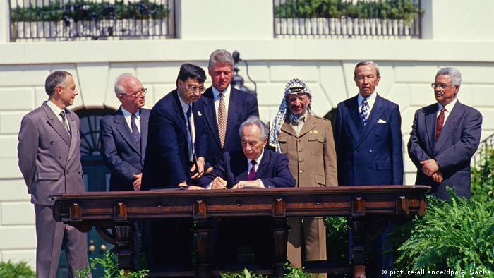 USA Weißes Haus Unterzeichnung von Oslo 1 (picture-alliance/dpa/A. Sachs)