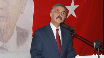 Türkei der Abgeordnete der Partei der Nationalistischen Bewegung Ismet Büyükataman